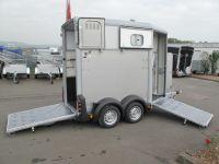 Ifor Williams HB 403 1,5-Pferde-Anhänger mit Frontausstieg + ALUBODEN 1,6 t
