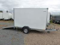 Aktionskoffer 262x130x150cm RAMPE 100 km/h+Extras VORRAT 1,3 t